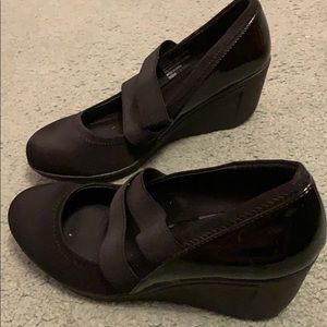Kenneth Cole Reaction Shoes - Kenneth Cole Black wedges